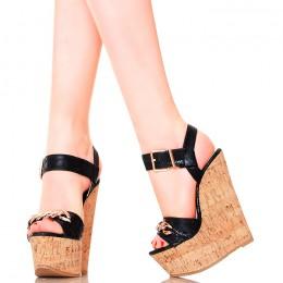 Sandały - Czarne Korkowe Koturny - Złoty Łańcuch