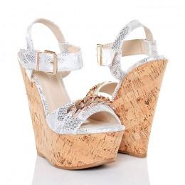 Sandały Białe Korkowe Koturny Złoty Łańcuch